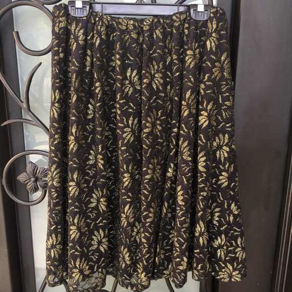 painted threads Dresses & Skirts - Painted Threads Black Pleated Gold Floral Skirt